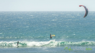 Kitesurfing and Windsurfing in the best waves in Australia in Gnaraloo
