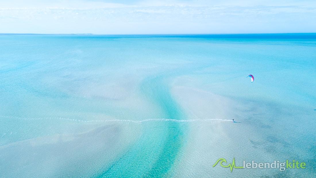 Lagoon kitesurfing Australia