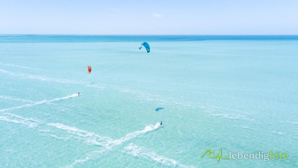 Kitesurfing kite surf holidays Australia